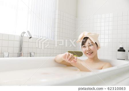 女人沐浴圖像沐浴時間 62310863
