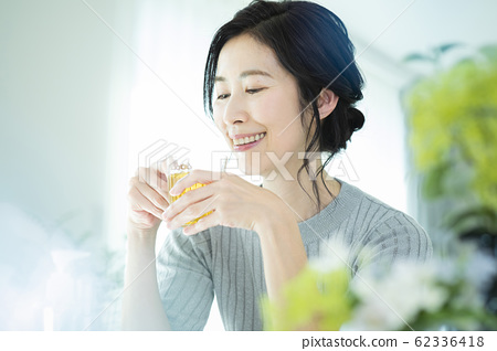 中年女人下午茶時間 62336418
