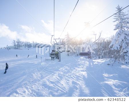 스키 가족 (리프트를 타고) 62348522