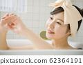 ผู้หญิงอาบน้ำภาพเวลาอาบน้ำ 62364191