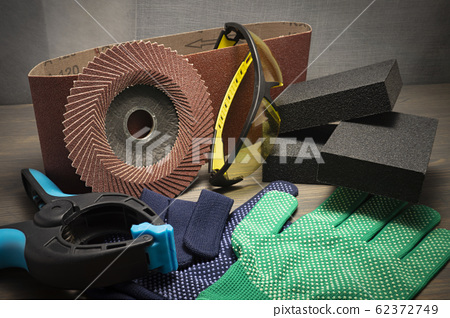 Different tools for sanding and safety health work
