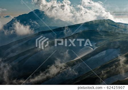 이데 본산에서 보는 구름 솟는 오후 大日岳 62425907