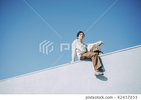 戶外男人的肖像 62437833