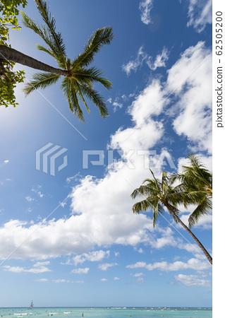 와이키키 비치 푸른 하늘과 푸른 바다 perming 사진 소재 62505200