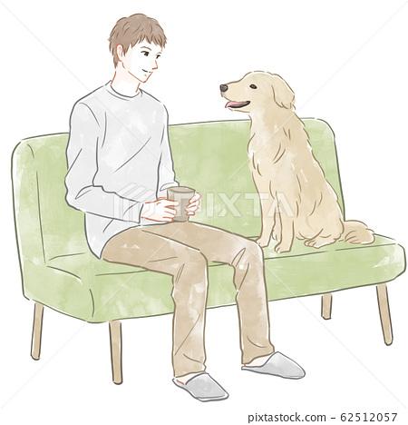 男人和狗坐在沙發上 62512057