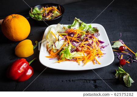 Healthy vegetable salad 62575282