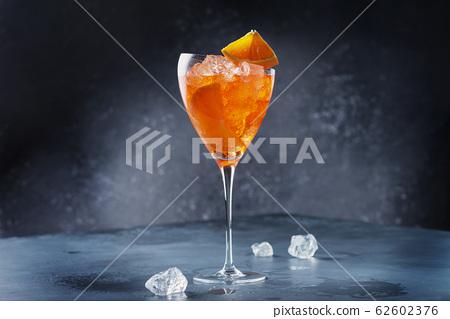 Italian aperitif Aperol Spriz 62602376