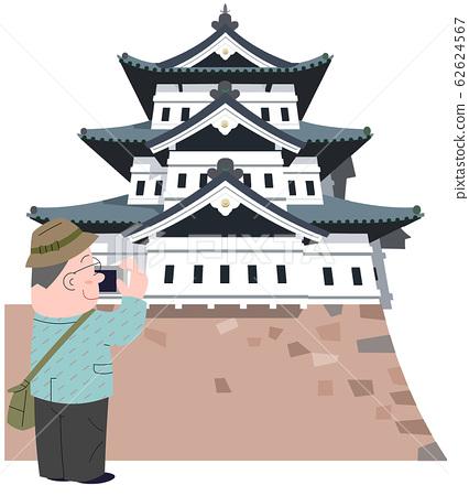 Hirosaki Castle and Traveler 62624567
