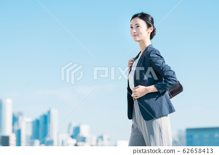 業務場景女性 62658413