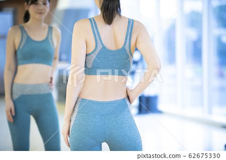 健身房女性 62675330
