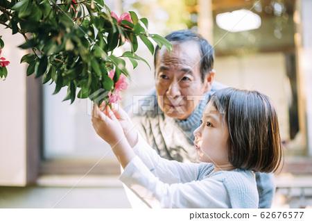 爺爺和孫子的生活方式 62676577