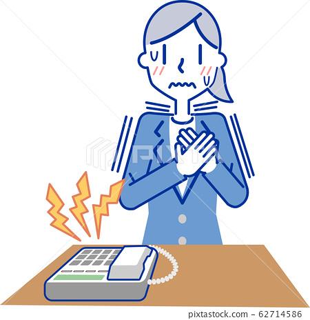 電話響時,女商人感到緊張 62714586