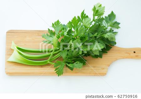 芹菜 62750916