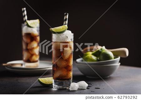 Alcoholic cocktail cuba libre 62793292