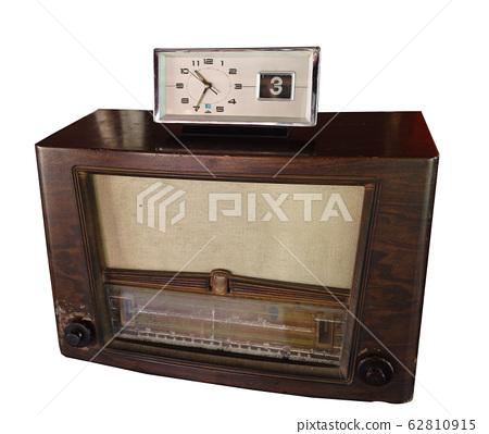 Vintage Radio with Antique Table Analog Clock, 62810915