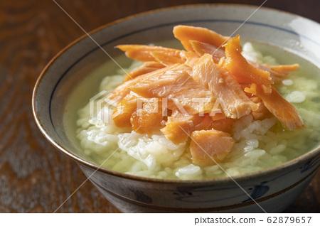 Salmon Ochazuke 62879657