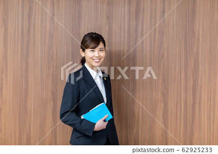 Lawyer female newcomer 62925233