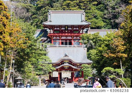 쓰루 오카 하치만 구 경내 풍경 마이 전과 누문 (가나가와 현 가마쿠라시) 2020 년 3 월 현재 63068238