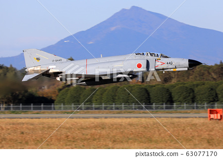 F-4 팬텀 전투기 이륙 63077170