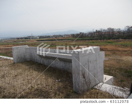 다리의 교각 공사중 perming 사진 소재 63112078