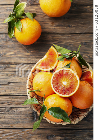Sweet red oranges of Sicily 63120039