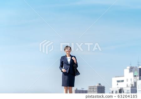 비즈니스 우먼, 푸른 하늘, 정장 63204185