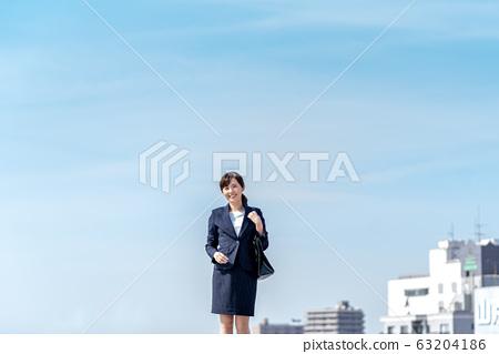 비즈니스 우먼, 푸른 하늘, 정장 63204186