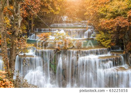 Huai Mae Khamin Waterfall tier 4, Khuean 63225858