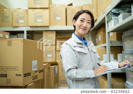 女商人倉庫企業形象 63238682