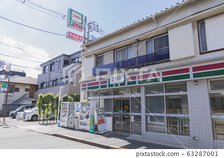 Old convenience store 63287001