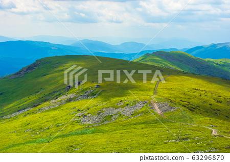path through mountain range 63296870