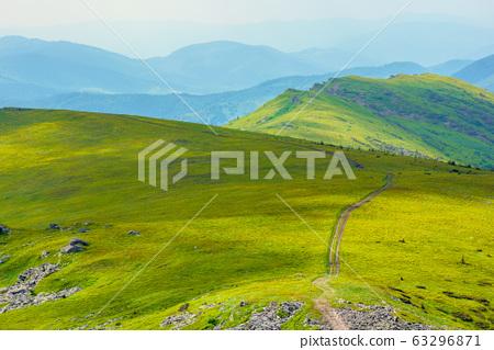 path through mountain range 63296871