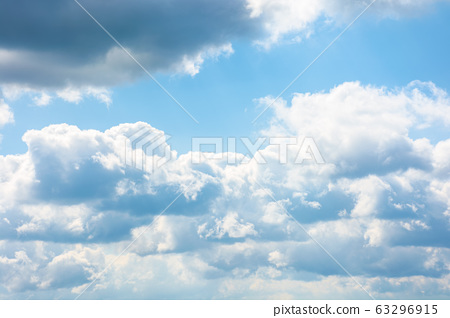 gorgeous cloudscape in springtime. weather 63296915