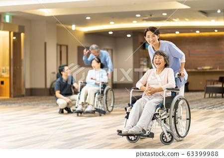 요양 시설 양로원 노인 간병인 의료 이미지 63399988