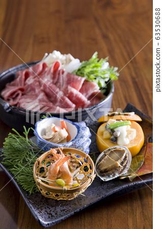 用新鲜食材烹制的精美日本料理 63530688