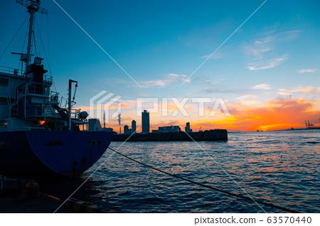Osaka port sunset view in Japan 63570440