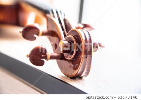 小提琴捲軸 63573140