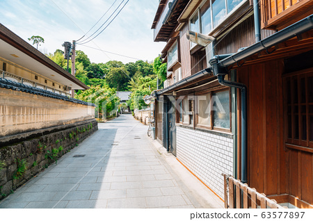 Japanese house and alley in Fukuoka, Japan 63577897