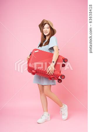 woman, travel, vacation 63638418