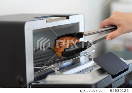 烤箱烤麵包 63639128