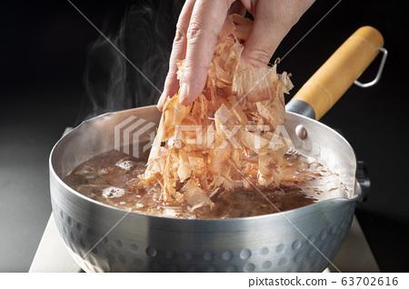 Bonito soup 63702616