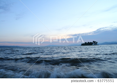 Lake Shinji Sunset 48 63775551