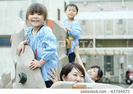 유치원 선생님 아이 63799872