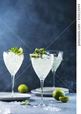 Summer cocktail mojito 63813044