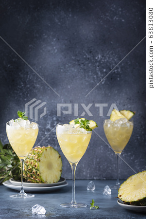 cocktail with pineapple 63813080