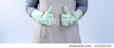 戴橡膠手套的女管家清潔劑的干淨的干燥乾燥隔離檢疫家務 63820164