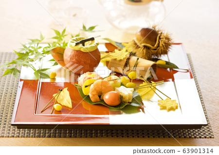 미식가들이 호텔이나 고급 음식점에서 즐기는 동양 음식 63901314