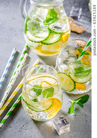 Summer healthy cocktails 63925189