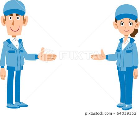 소개 작업복 착용 남녀 직원 64039352