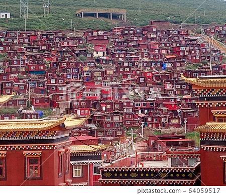 色達 - 全世界最大佛像學校 64059517